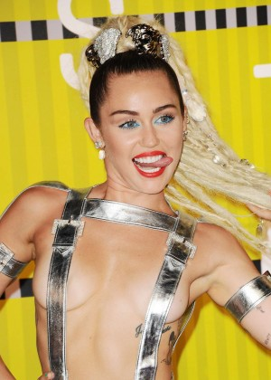 Miley Cyrus: 2015 MTV Video Music Awards in Los Angeles [adds]-57
